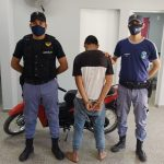 Gopliza terrible a una mujer para robarle su moto